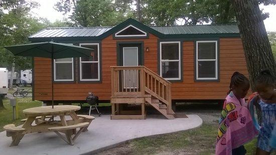 Oscoda KOA : Outside of the Cabin