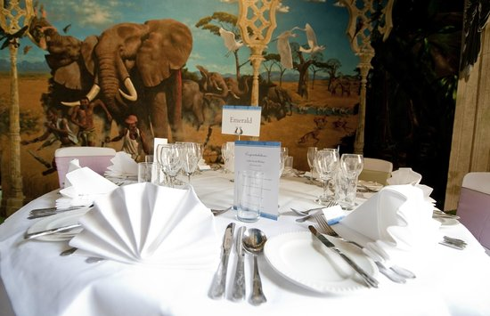 Port Lympne Reserve : Why not book the Martin Jordan Room for a private meal