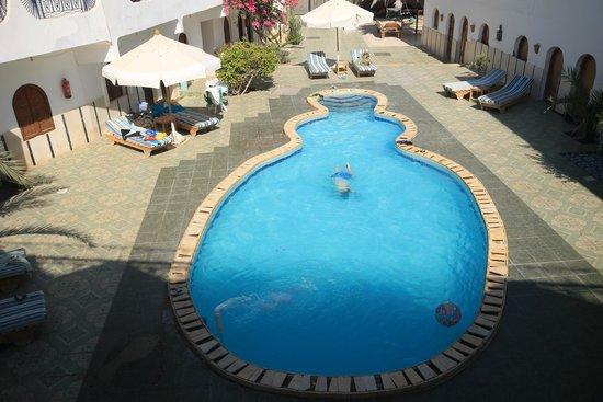Dahab Plaza Hotel: бассейн (на самом деле он небольшой)