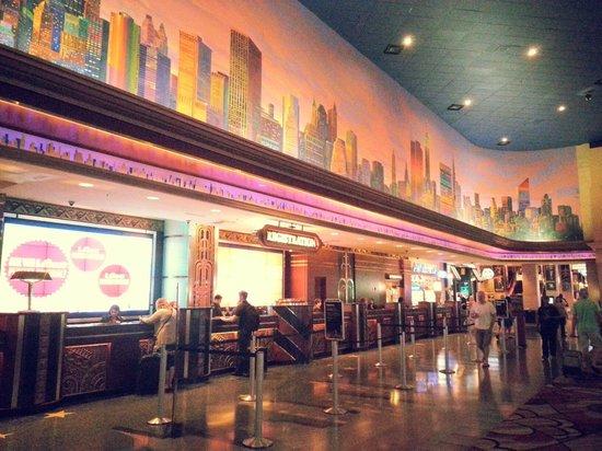 New York - New York Hotel and Casino: Hall