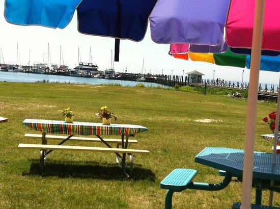 Tawas Bay Pronto Pup: What a beautiful view to relax and have a snack
