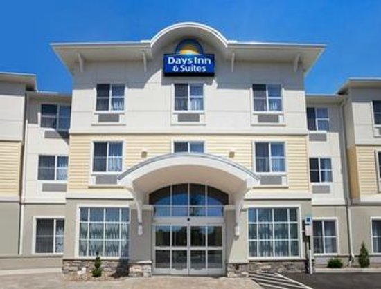 Days Inn & Suites Altoona: Days Inn & Suites