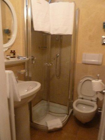Hotel Flora, Salle de bains