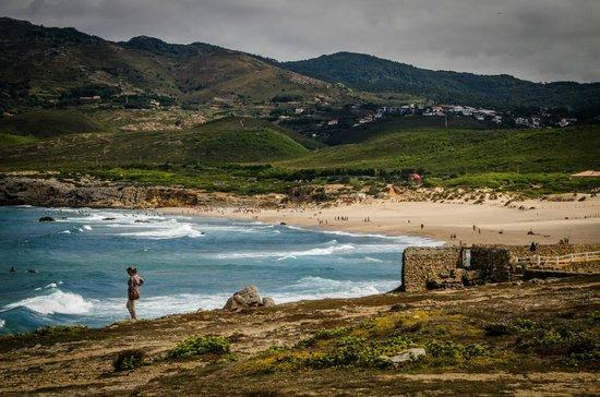 Fortaleza do Guincho : opposite beach