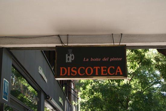 Vincci Soma: Placa do bar ao lado da entrada
