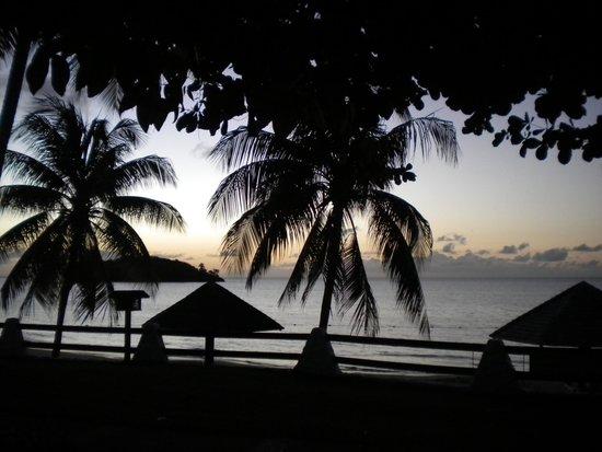Sandals Halcyon Beach Resort : Sunset view