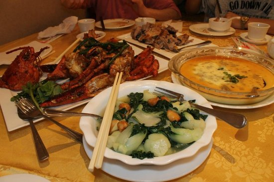 Paramount Chinese Cuisine: 4 Dishes