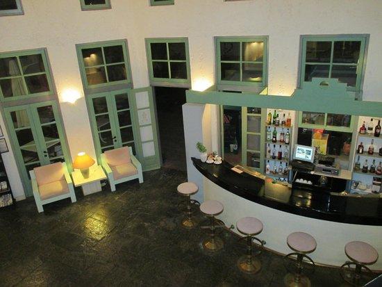Galaxy Villas: Bar intérieur de la réception