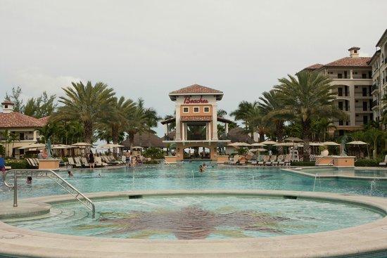 Beaches Turks and Caicos Resort Villages and Spa: Vila Italiana - Piscina