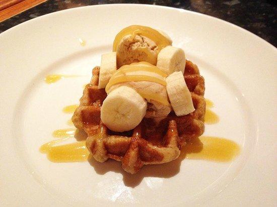 Frankie And Bennys: banoffee waffle