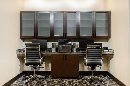 Holiday Inn Express Hotel & Suites Austin NW - Arboretum Area : Business Center