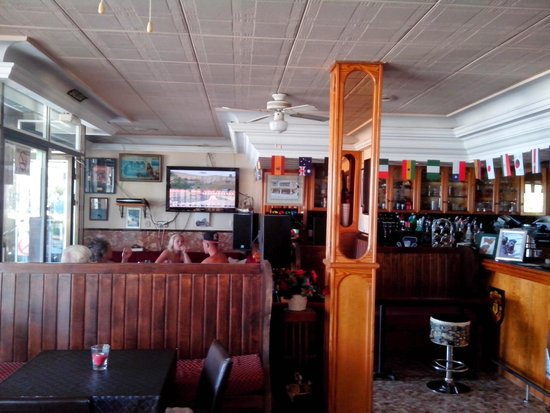 7 Palms Restaurant and Bar: my local