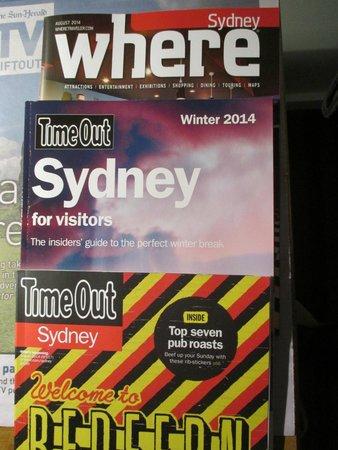 Mercure Sydney : Magazines in room