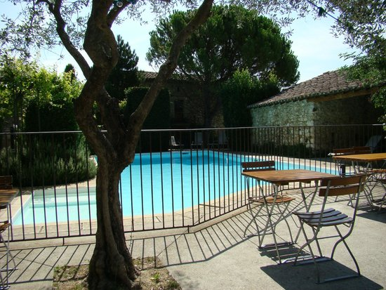 Les Mejeonnes : La piscine