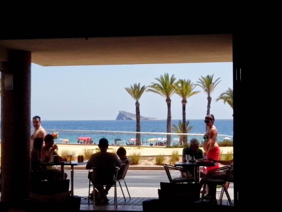 7 Palms Restaurant and Bar: summer in Spain