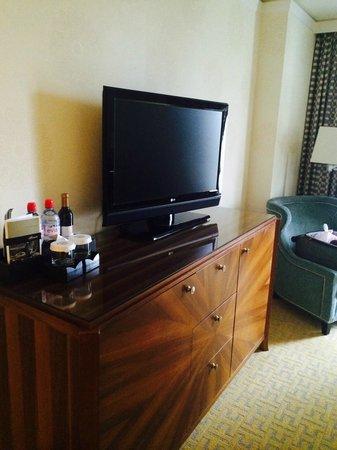 The Fairmont San Jose: TV.