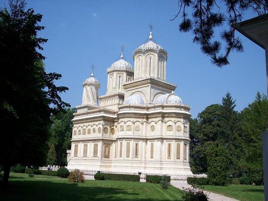 Curtea de Arges Monastery: monastero