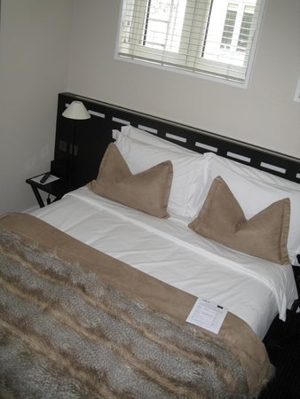 The Nadler Soho: King size bed in Standard double room