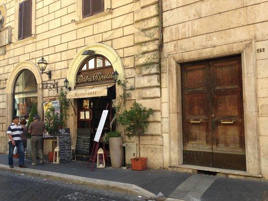 Il Porto Di Ripetta : the entrance