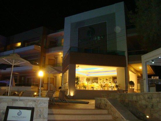 Nautilus Bay Hotel: Buffet