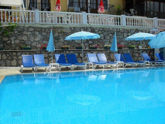 PH Hotel : Quiet pool