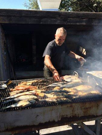 Branzino di 4 kg pescato all 39 amo foto di ai fiuri de for Cucinare branzino 5 kg