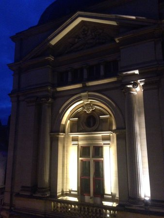 Hotel du Theatre: Vue sur le theatre