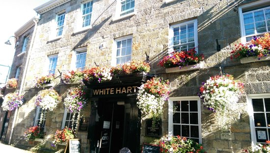 The White Hart: Church Street Entrance