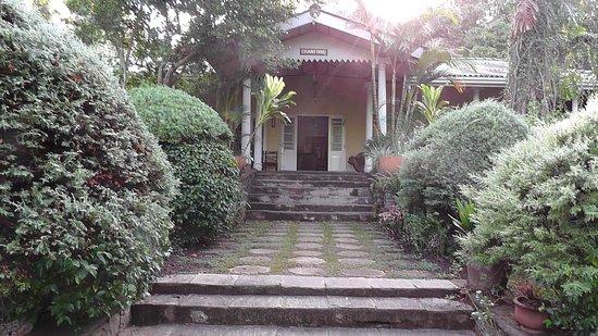 Hotel Cranford Villa: front