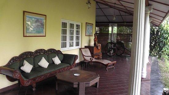 Hotel Cranford Villa: lobby