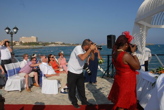 Elias Beach Hotel: Pro photographers of wedding.