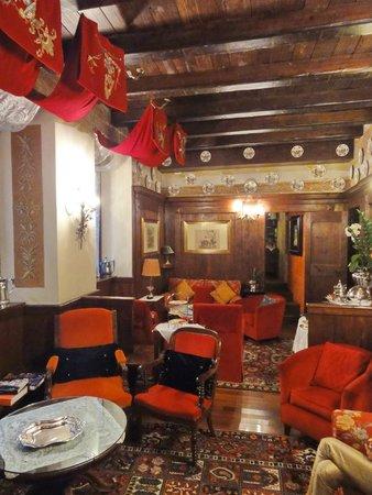 Hotel Gabbia d'Oro : Bar-, bzw. Salonbereich