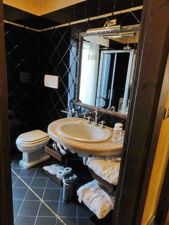 Hotel Gabbia d'Oro: Badezimmer
