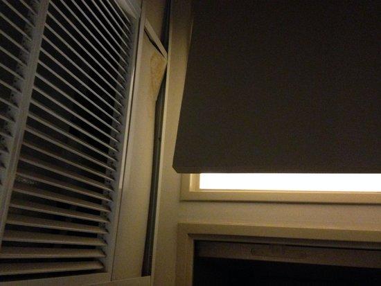 Appart'City Confort Marne la Vallée Val d'Europe: Broken soffit ceiling