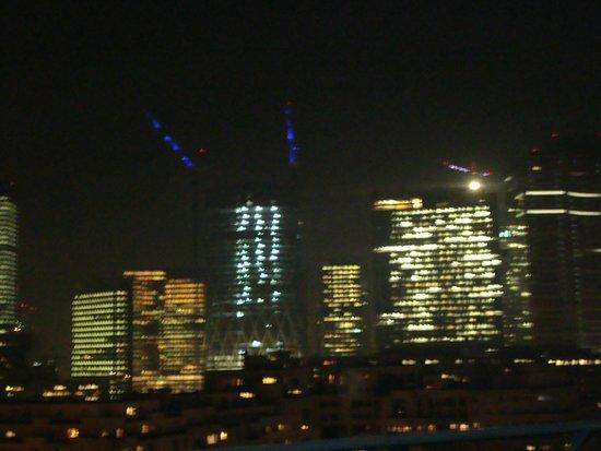 Mercure Paris La Défense : Vista do Apartamento