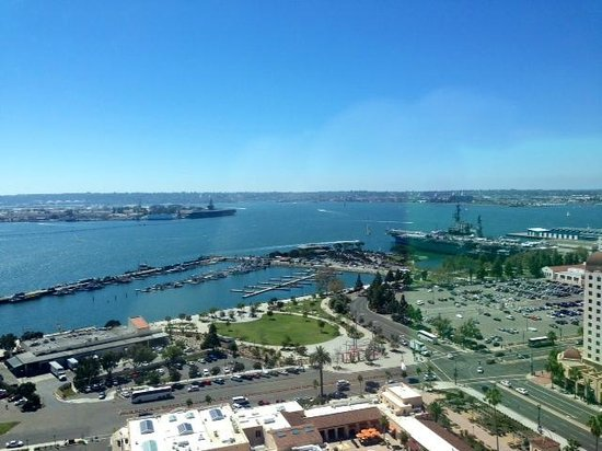 Manchester Grand Hyatt San Diego: Beautiful day view from our room!