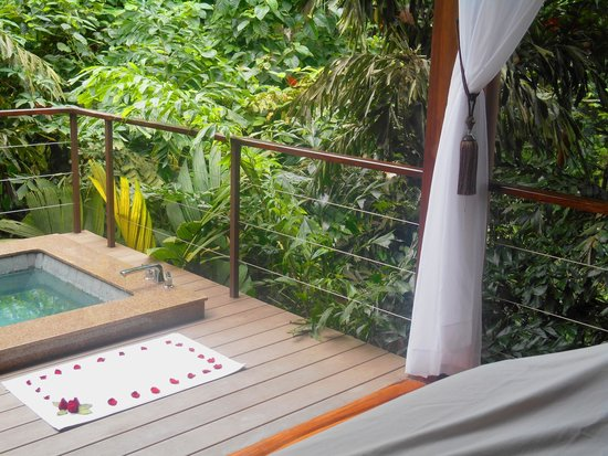Nayara Springs: Spa rooms are open to the beautiful sounds of the rain forest
