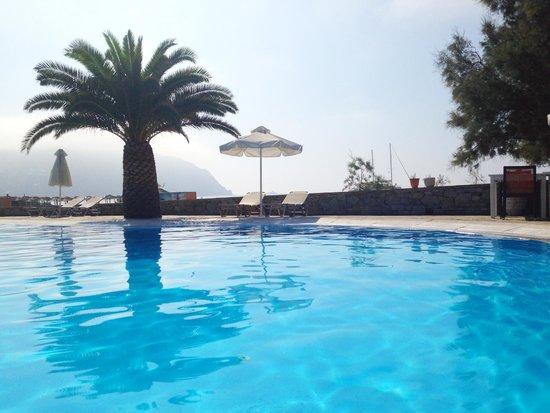 Sunrise Hotel and Suites: pool