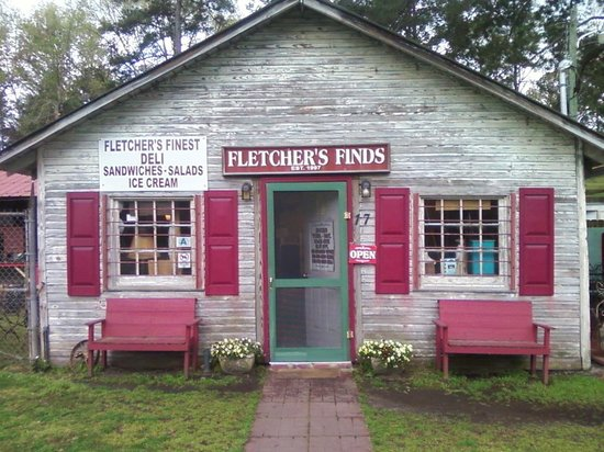 Fletcher's Finds: You'd never know what a gem this place is just from passing by! Very rustic, mixed with a lot of
