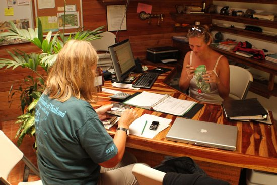 Spanish by the River-Boquete: Hostel - Reception