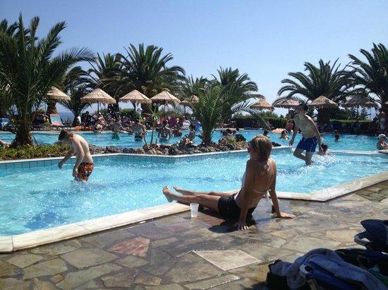Mediterraneo Hotel: pool