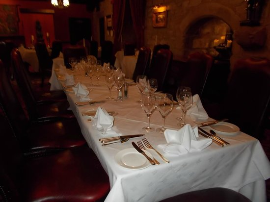 Langley Castle Hotel: Dining/breakfast room