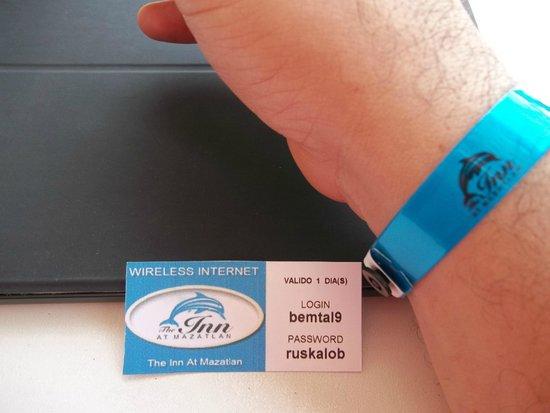 The Inn at Mazatlan: la tonta cintilla y una tarjeta de las claves de internet