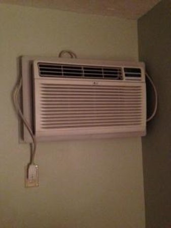 Mountain Club On Loon: One of two beast air-conditioners that will keep you up at night!