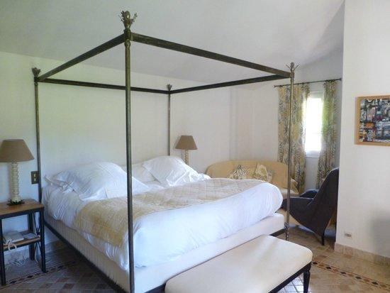 La Bastide de Moustiers : lit du chambre