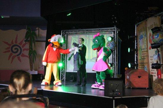 Parkdean - Torquay Holiday Park: entertainment