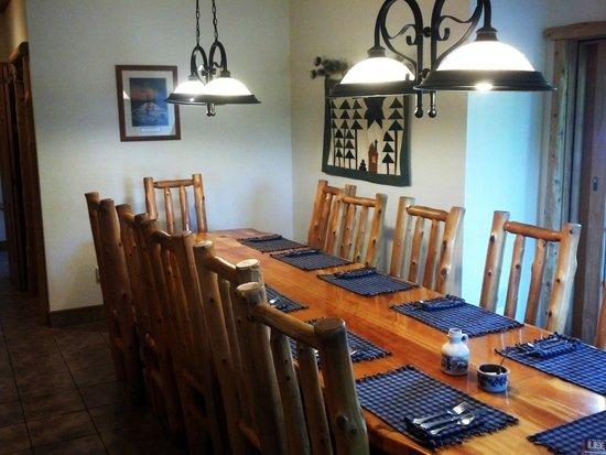 Second Wind Country Inn: breakfast room