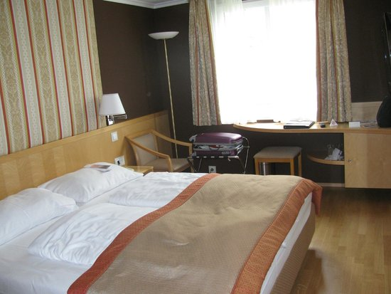 Austria Trend Hotel Ananas: Habitacion