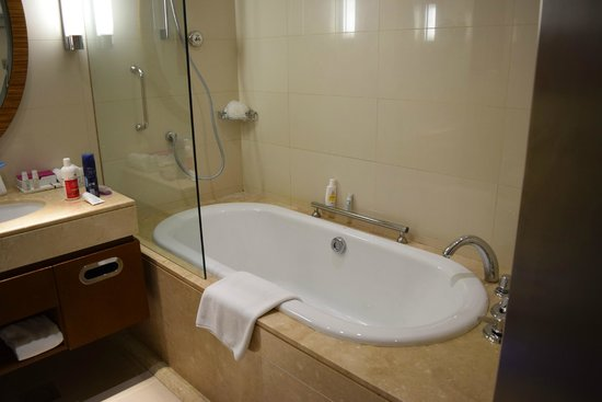 Crowne Plaza Doha - The Business Park : Superior King Room