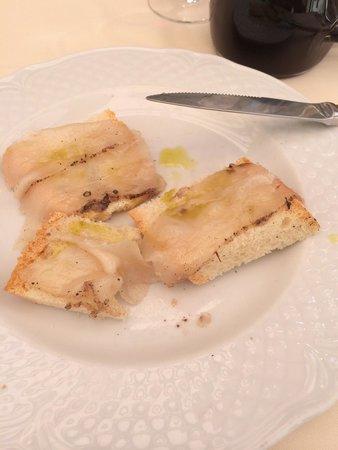 Trattoria Toscana : Crostini con lardo di colonnata